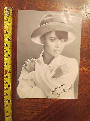 Lisa Bonet 4 x 6 postcard with Pre-Printed Autograph TV Cosby Show Different