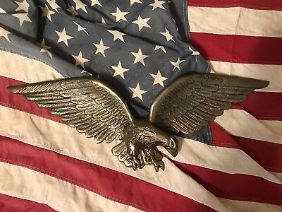 "Vintage OLD~CAST Metal 24"" AMERICAN EAGLE WALL HANGING painted GOLD/BRASS #81"