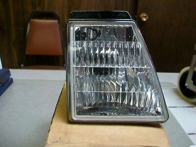 NOS 1988 - 1990 Chevrolet Cavalier Right Park Turn Signal Lamp # 16513882