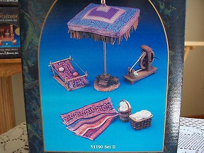 """Fontanini 5"""" Village Collection RARE RETIRED Weavers Accessories Displayed Twice"""