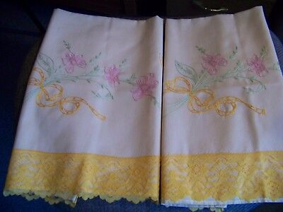 Vintage Pair Of Peach  Pillow Cases With Embroider And Lace Trim Very Nice