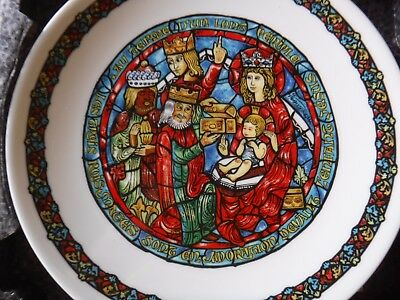 """Limoges Christmas plate, """"Adoration of the Magi"""", 5th in series"""