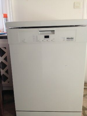 MIELE - ACTIVE CLEAN 13 couverts - Comme neuf !