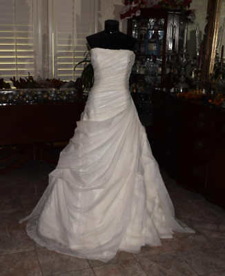 ENZOANI Bridal Gown Wedding Dress Size 8 Ivory Built in Hoop Skirt