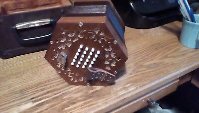 Old Time BASTARI Squeeze Box Accordian Made in Italy