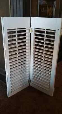 """Vintage Wood Louvered White Shutter h 23-1/4"""" x w 18"""" VTG Antique FREE SHIPPING"""