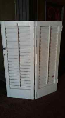 """Vintage Wood Louvered Shutter 23-3/4"""" x 18"""" VTG French Victorian FREE SHIPPING"""