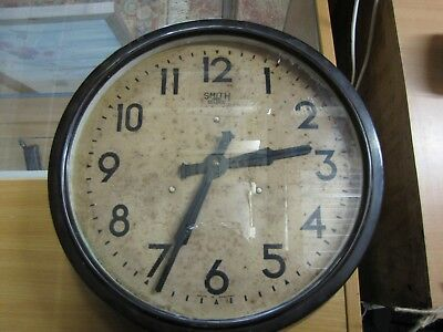 A Smiths 1930's bakelite cased railway station wall clock in working order