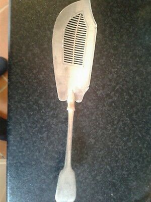 Antique Good Quality Solid Sterling Silver Fish Slice 1818