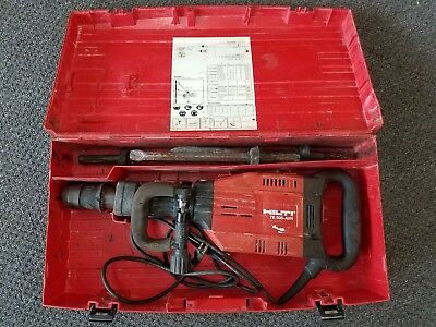 HILTI TE 905 AVR DEMOLITION JACK HAMMER BREAKER 120V TE-AVR w/carrying case