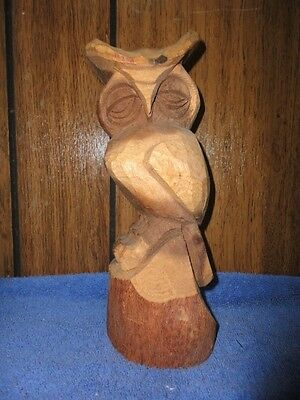 1984 VINTAGE LARGE Tall WOODEN Hand CARVED OWL Statue--Marked Nassau--9 Inch