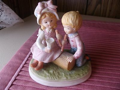 """Vintage Lefton 06028 Friends Figurine 3"""" Lovely Gift Item Hand Painted"""