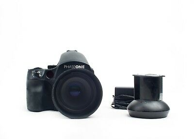 PHASEONE 645 DF Body with Schneider LS 80mm F2.8 lens, 2 batteries and charger