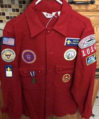 VINTAGE WOOL OFFICIAL BOY SCOUTS OF AMERICAN RED JACKET With Patches Size 42