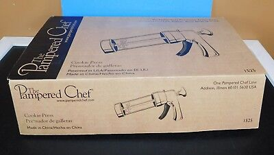 New in Box Pampered Chef COOKIE PRESS #1525 16 Disks Showers Weddings