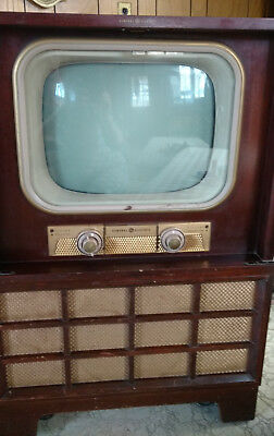 Vintage General Electric TV in cabinet - LOCAL PICK UP ONLY