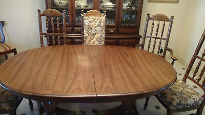 Dining Room set - Cherry - Table, Chairs, China cabinet - LOCAL PICK UP ONLY