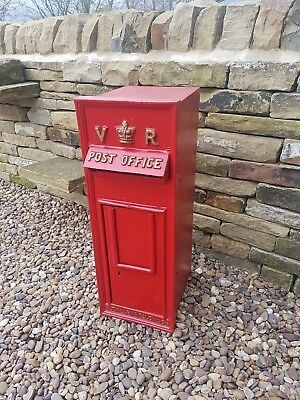 Royal Mail Postbox V R Cast Iron Lockable with Keys Letter Box