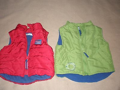 Target size 00 and 0 baby puffer vests red and green in VGC