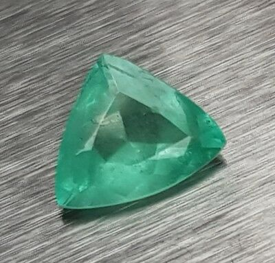 WaterfallGems Fancy Cut Emerald Trillion, 8.1x6.7mm, 0.93ct