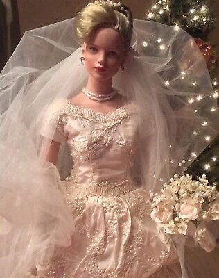 "Robert Tonner Bride ""Felicity""  #190/500. She is 20"" tall, NEW discount 10% off"