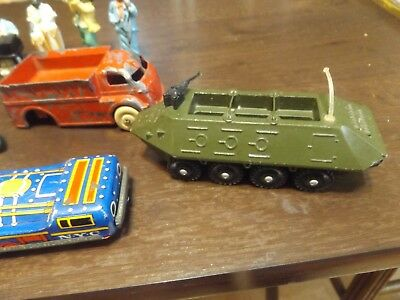 Junk Drawer Lot OLD TOYS. AMERICANA FIGURINES . OLD JUNK CAP GUNS .-8 PIECES
