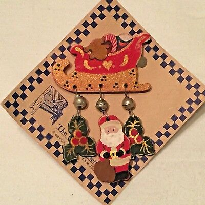 """Christmas Pin Brooch Handmade """"The Country Settle"""" since 1986"""
