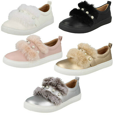 WHOLESALE Girls Pearl Strap Shoes / Sizes 10x2 / 18 Pairs / HW2456