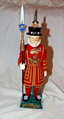 Beefeater Yeoman Gin Decanter Carlton Ware Staffordshire England Figure W/ Spout