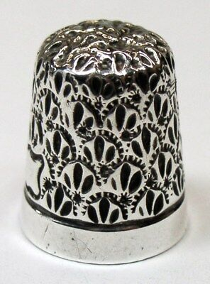 Antique Goldsmith Stern & Co. Sterling Silver Thimble Embroidery Palmette Top