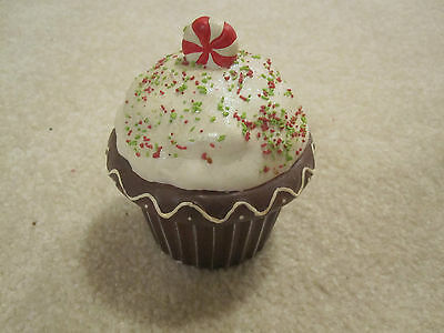 Cupcake candle ceramic holder Christmas candycane vanilla flavor new