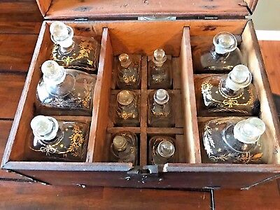 ANTIQUE 18th CENTURY MILITARY OFFICERS TRAVELING BAR DECANTER TANTALUS SET