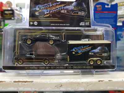 1:64 greenlight smokey and the bandit tow