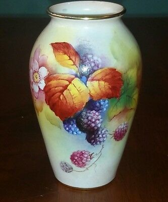 Gorgeous Royal Worcester Vase - 8.9cm - Signed by Kitty Blake