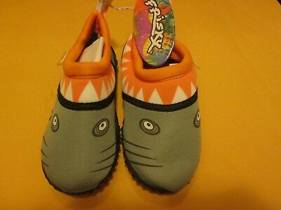 5272cbb19081 Frisky Kid s Water Shoes Orange Shark New No Box Size 9