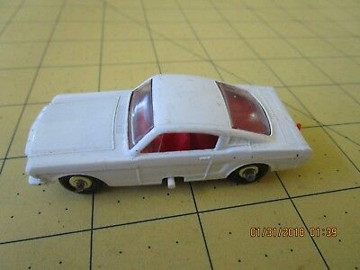 Vintage Lesney Matchbox #8 Ford Mustang Regular Wheels Chrome Hubs 1966