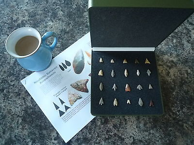 20 x Quality Miniature Neolithic Arrowheads in Display Case - 4000BC - (W028)