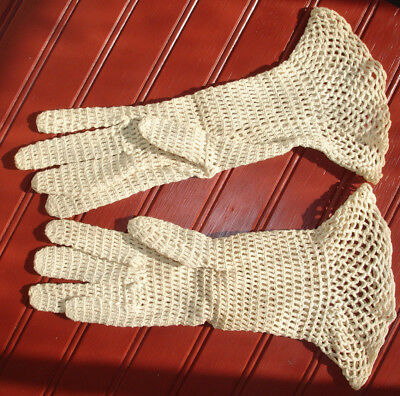 Vintage Crocheted Lace Gloves Girl / Small Ladies Dress Gloves