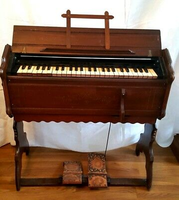 Antique 1878 Walnut Mason & Hamlin Pump / Reed Organ Style 110, No.171279