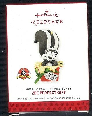 2013 Hallmark Looney Tunes Pepe Le Pew Zee Perfect Gift Ornament