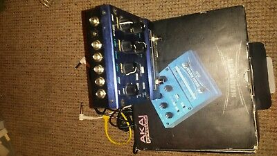 AKAI HEAD RUSH E2  Loop station with echo / Delay functions  Good Cond
