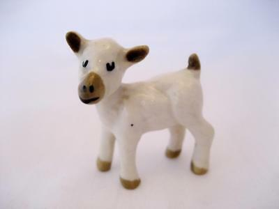 Wade George Wade Mold Miniature Lamb. White with Brown Markings (Perfect)