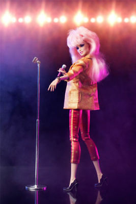 SDCC 2012 exclusive: Integrity Jem and the Holograms Hollywood Jem doll NRFB