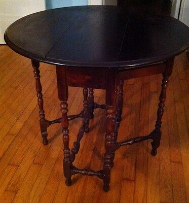 WILLIAM & MARY Antique Mahogany Drop Leaf Eight Gatelegged Table
