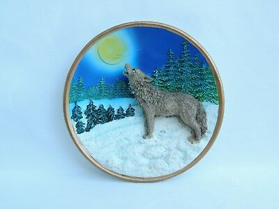Vintage 1999 Cadona Collectible Wolf Plate Wolves 3D