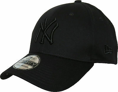 NY Yankees New Era 3930 League Basic  All Black Stretch Fit Baseball Cap