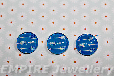 2 x White Arrows on Blue 12x12mm Glass Cabochons Cameo Dome Bow Arrow
