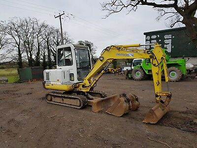 ***** john deere 2650 4wd tractor we deliver ********