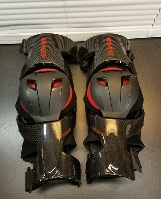 EVS WEB Pro Knee Brace Guard Carbon Fiber Size  Medium M Pair Left & Right  ✅