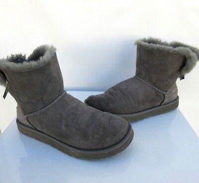 d27ca23bb5b UGG WOMEN'S MINI Bailey Bow Boots Suede Grey 1005062 Size 8